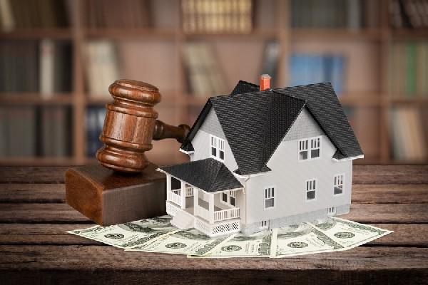 Могут ли забрать единственное жилье за долги при банкротстве физического лица